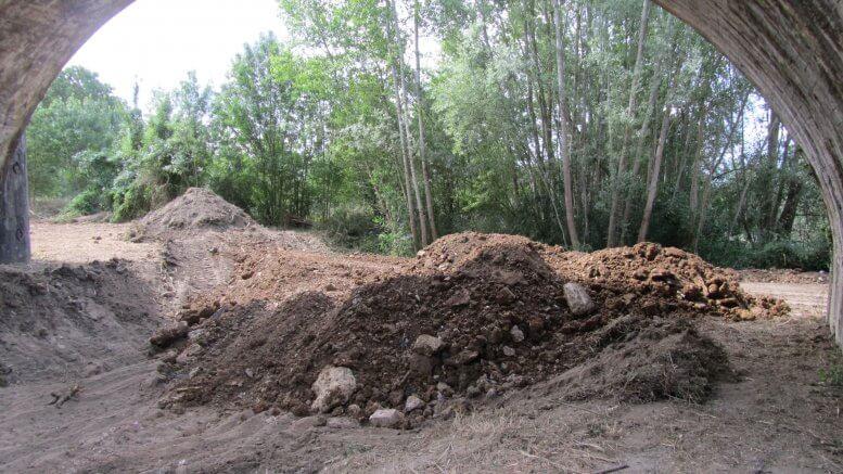 Décapage des terres pour accueil d'un échafaudage